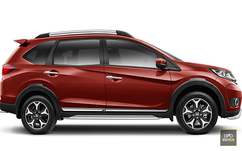 Honda BRV vs Toyota Avanza Veloz Indonesia Review  Honda BRV vs Toyota Avanza Veloz Indonesia Review 2017